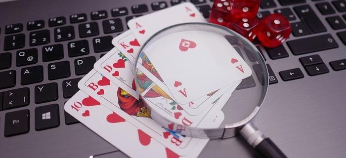 Thumb 700 320 poker 4518181 960 720 75